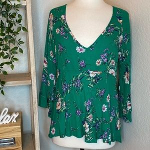 🆕Rachel Zoe 3/4 sleeves Flirty Floral green Top